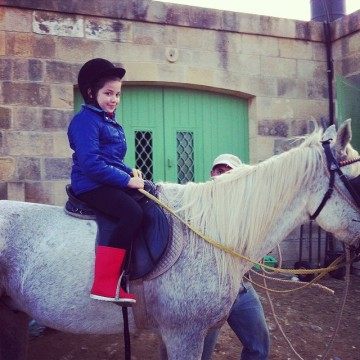 maia horseriding